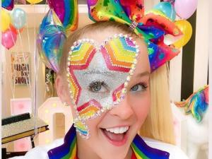 Watch: Fans Think YouTube Star Jojo Siwa Came Out After Lip-Syncing to Gaga's 'Born This Way'